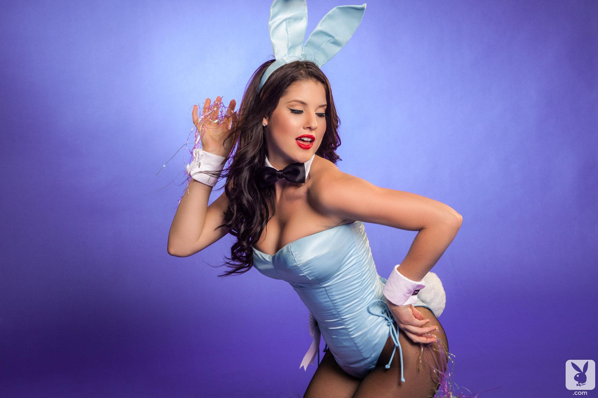 Фото девушки в костюме зайца 8 фотография