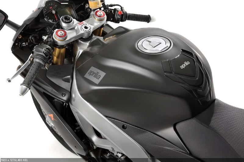 Спортбайки Aprilia RSV4 Factory ABS и Aprilia RSV4 R ABS (2013)