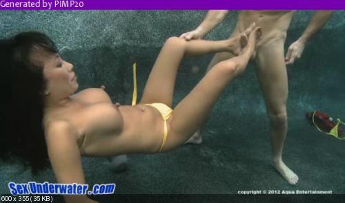 Movie oral sex underwater