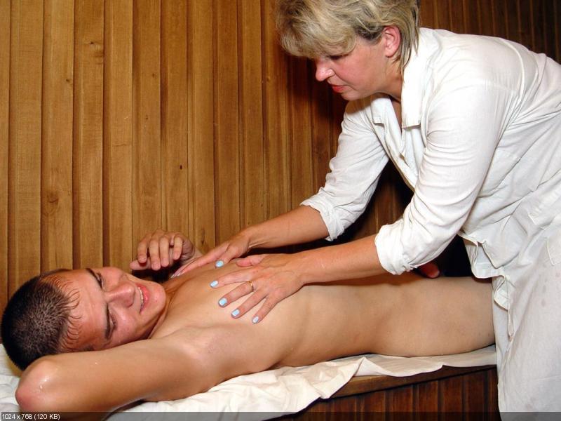 seks-massazh-zrelaya