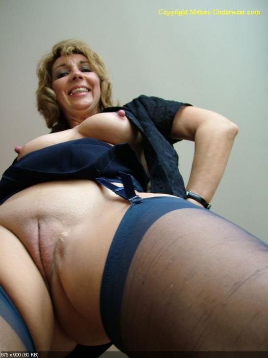 Mature ass photo