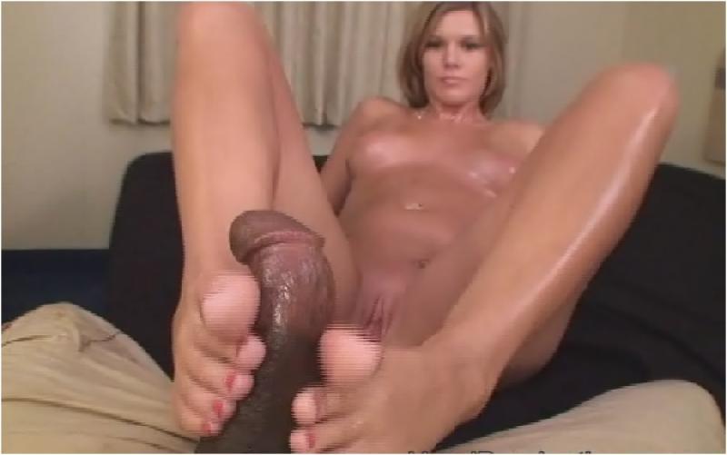 Angie harmon real porn pics