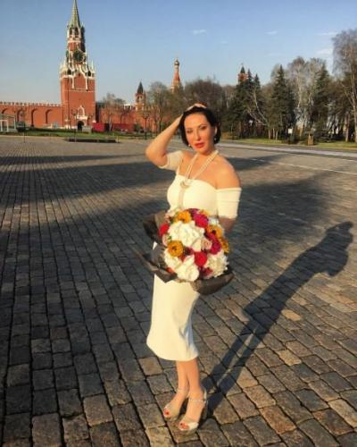 Актриса Алика Смехова вручила детям из хосписа «Дом с Маяком» награды «за мужество»