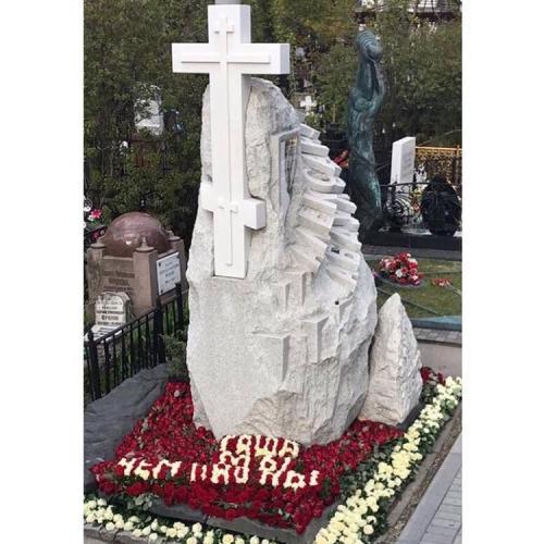 Поклонники Александра Абдулова растрогали его вдову и дочь